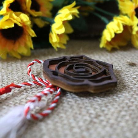 Martisor - brosa din lemn, Trandafir, portocaliu [1]