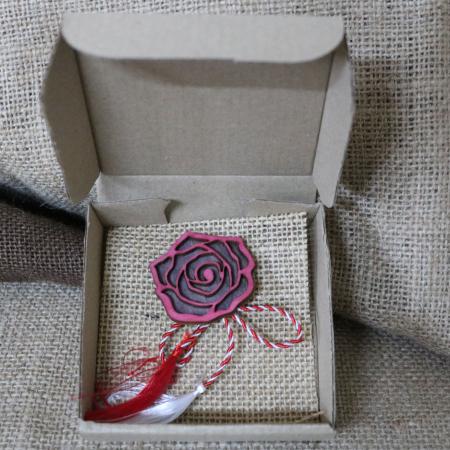 Martisor - brosa din lemn, Trandafir, rosu [10]