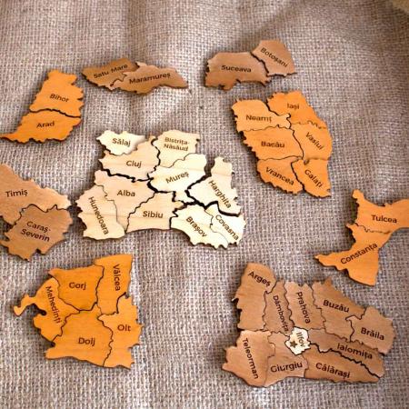 Puzzle educativ Din Lemn, gravat, Harta Romaniei pe judete3