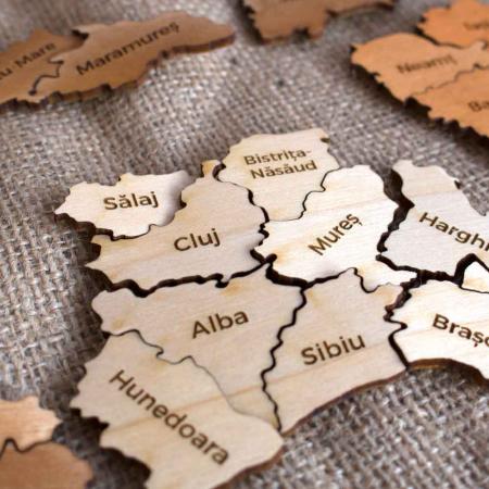 Puzzle educativ Din Lemn, gravat, Harta Romaniei pe judete2