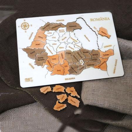 Puzzle educativ Din Lemn, gravat, Harta Romaniei pe judete4