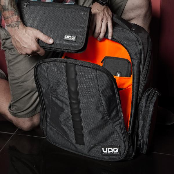UDG Ultimate Backpack BlackOrange Inside [7]