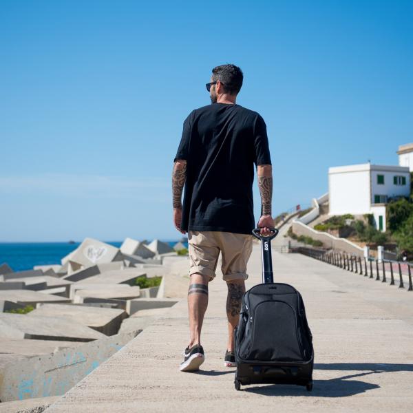 UDG Creator Wheeled Laptop Backpack 21 Version 3 Black Edition 7