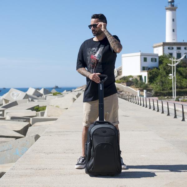UDG Creator Wheeled Laptop Backpack 21 Version 3 Black Edition 8