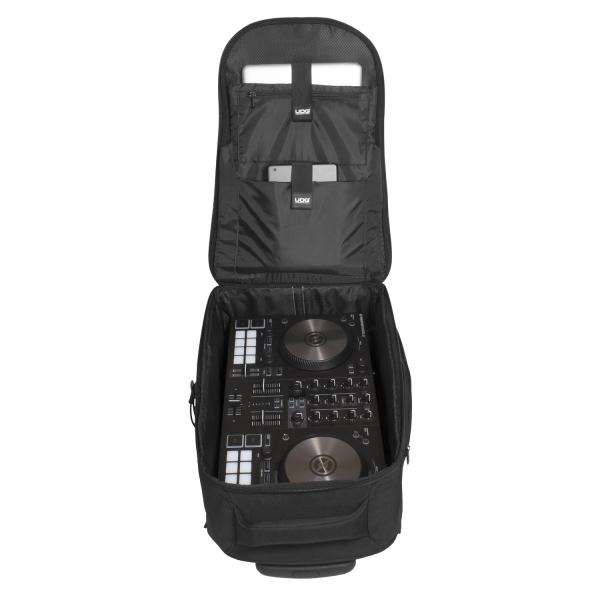 UDG Creator Wheeled Laptop Backpack 21 Version 3 Black Edition 11