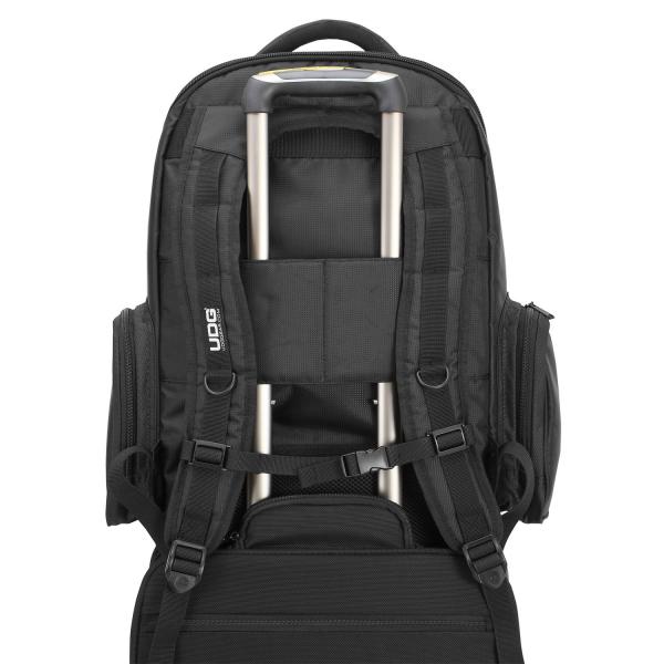 UDG Ultimate Backpack BlackOrange Inside [5]