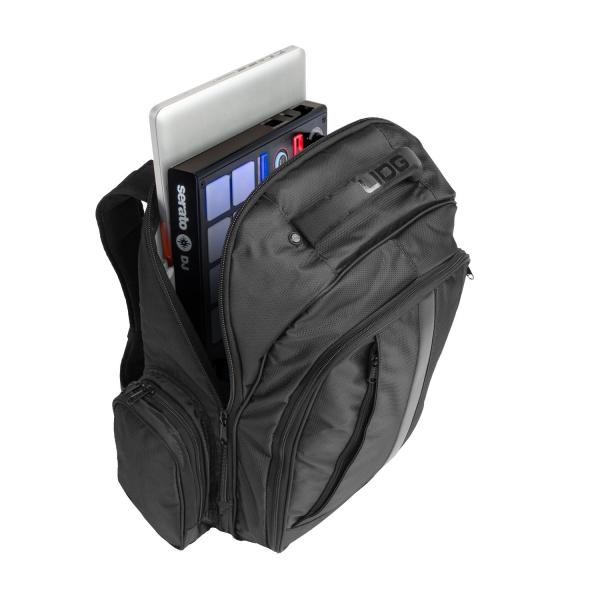 UDG Ultimate Backpack BlackOrange Inside [3]