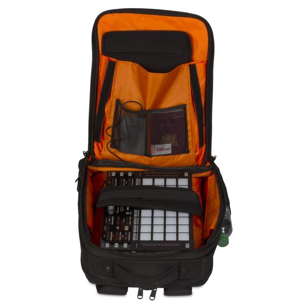 UDG Ultimate Backpack Slim BlackOrange Inside 8