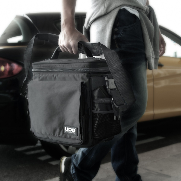 UDG Ultimate SlingBag Black MK2 4