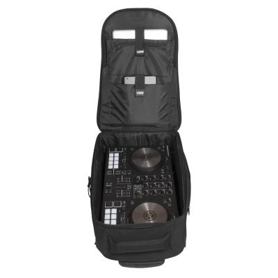 UDG Creator Wheeled Laptop Backpack 21 Version 3 Black Edition11