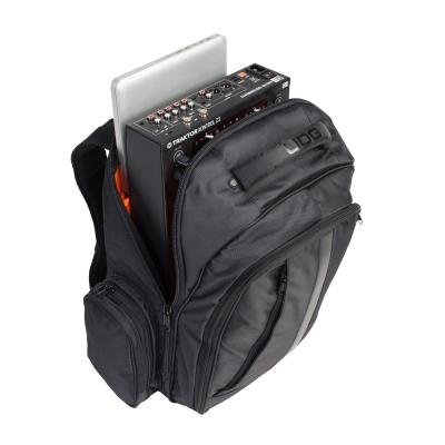UDG Ultimate Backpack BlackOrange Inside [1]