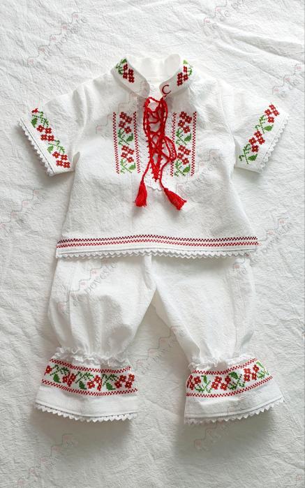 Costum traditional Vlad-Rosu [2]