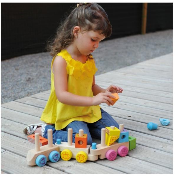 Trenuletul colorat din lemn cu 15 cuburi si roti cu animalute [1]