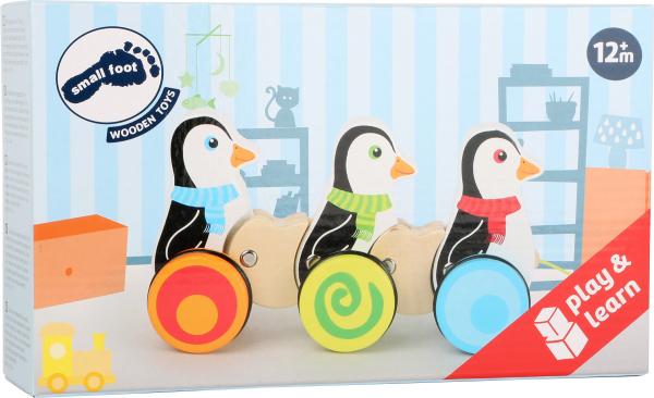 Pinguinii dansatori, jucarie de tras din lemn [0]