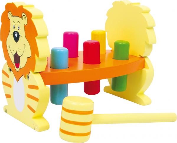 Leul cu ciocanel 0