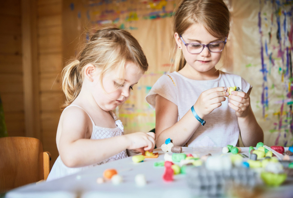 Pufuleti PlayMais® BASIC MEDIUM, Set de activitati creative 6