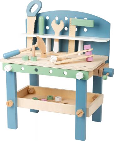 Banc de lucru din lemn, cu unelte, Nordic1