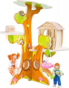 Casuta din Copac, cu papusi1