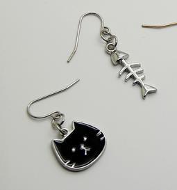 Asymmetric Earrings - Black Cat and Fish [0]