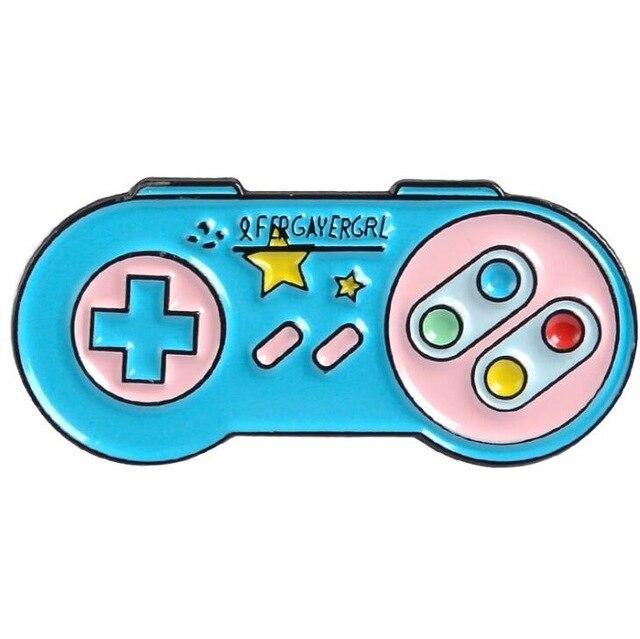 Insigna Blue Joystick 0