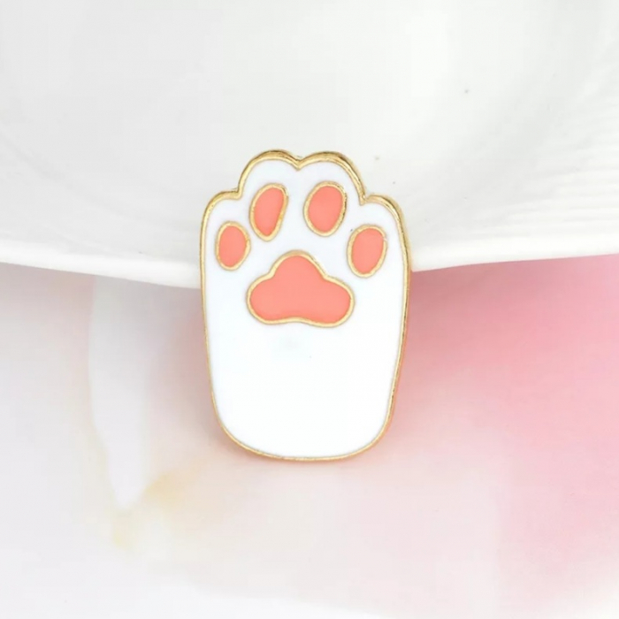 Insigna White Cat Paw 1