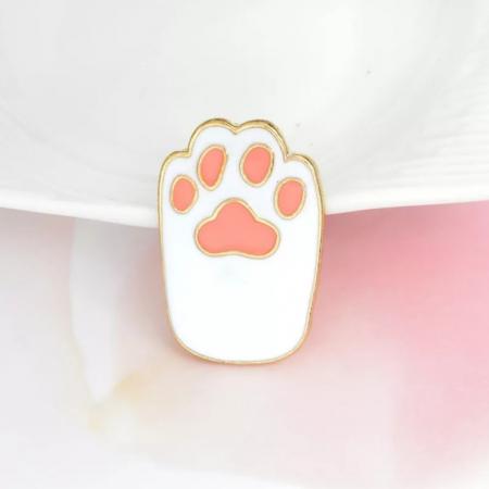White Cat Paw1