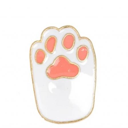 White Cat Paw0
