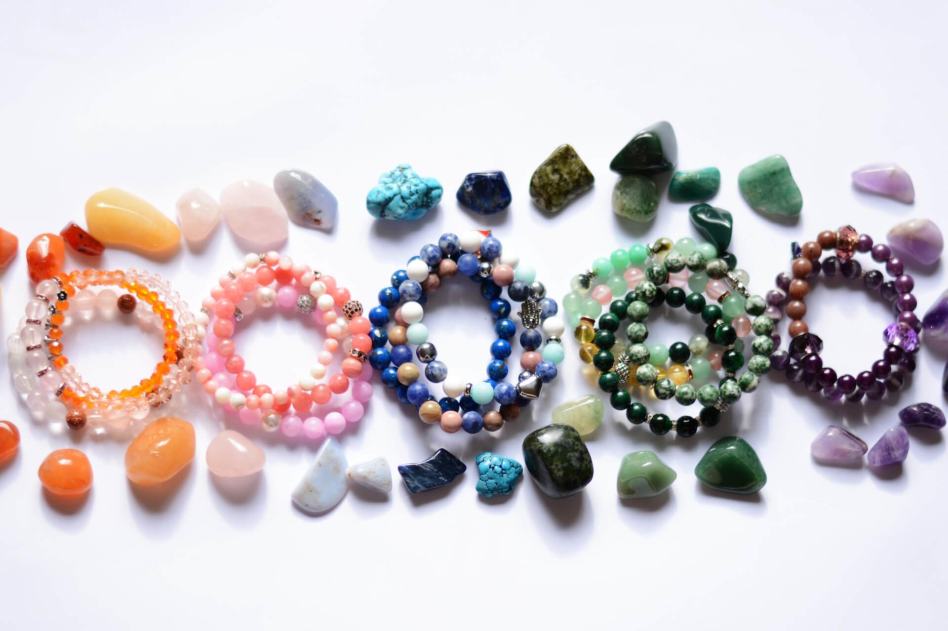 Bratari din pietre semipretioase – Cadoul ideal pentru iubita ta!