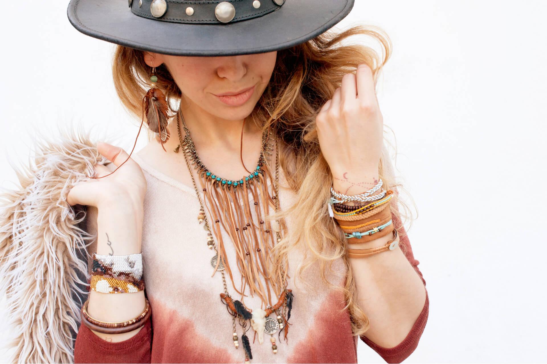 Ce tip de accesorii trebuie sa porti daca iti place stilul boho chic?