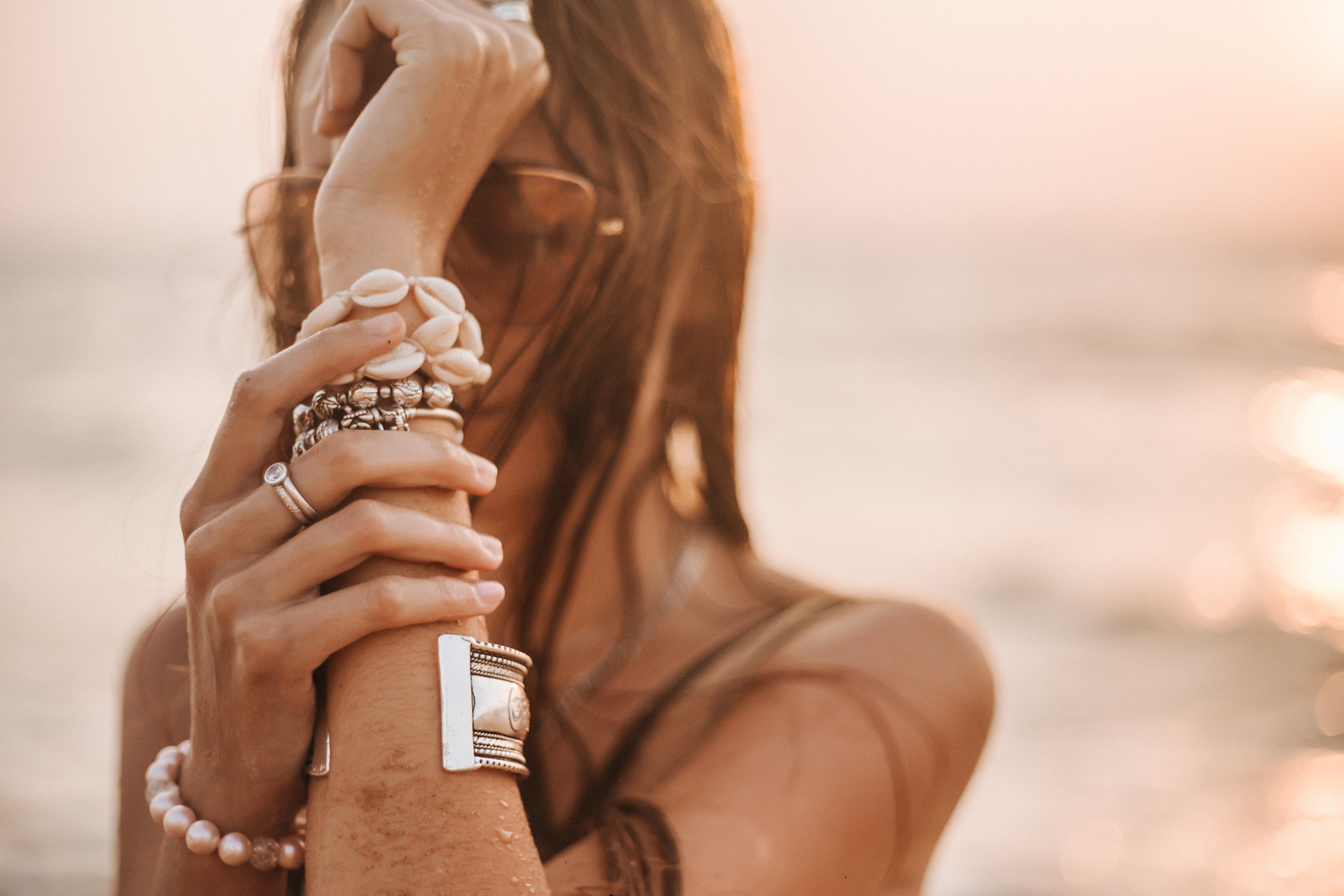5 idei de care să ții cont atunci când îți dorești să ai o viață echilibrată cu ajutorul bijuteriilor