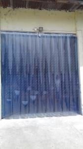 Folie PVC cu latimea de 400 mm si grosime de 4.0 mm cu striatie (dungi) la rola de 50 m1