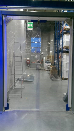 Usa batanta DARFLEX cu folie pvc transparenta cu rama  din aluminiu [2]