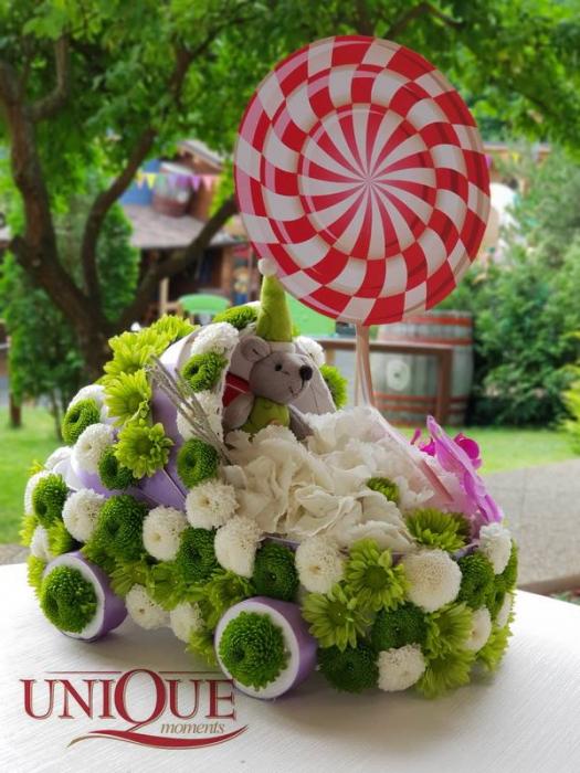 Cadou botez - Carucior din flori [0]