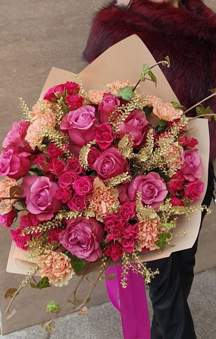 Buchet trandafiri roz Iasi 1