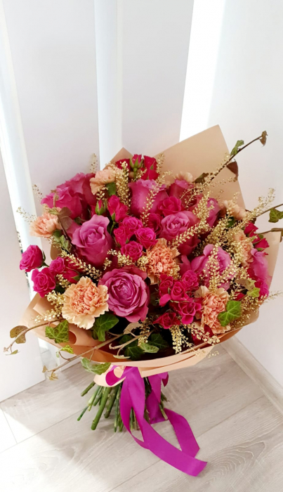 Buchet trandafiri roz Iasi 0
