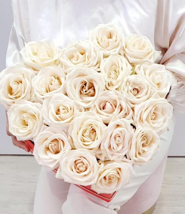Inima 25 trandafiri albi - Florarie Iasi [0]