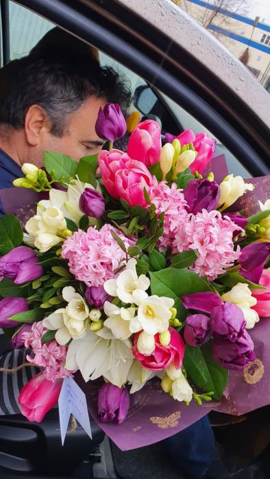 Buchet flori de primavara 4
