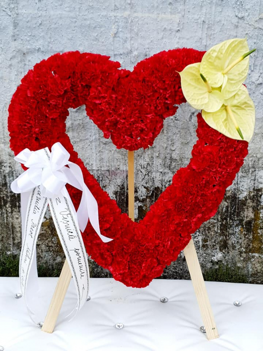 Inima funerara din garoafe [1]