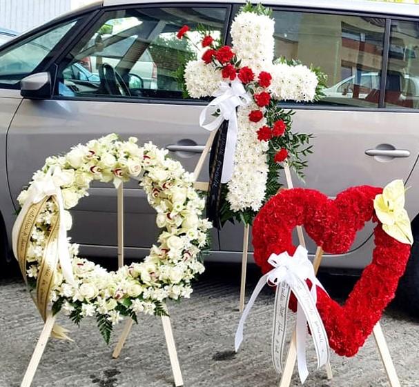Inima funerara din garoafe [2]