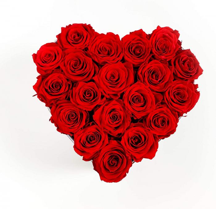 cutie cu 19 trandafiri rosii 0