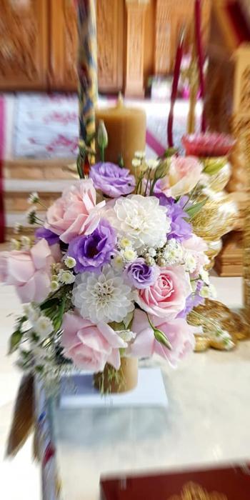 Lumanre botez Iasi din trandafiri hortensie si eustoma 0