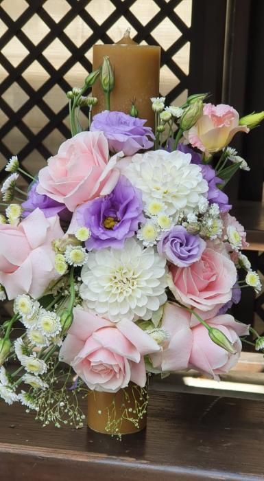 Lumanre botez Iasi din trandafiri hortensie si eustoma 4