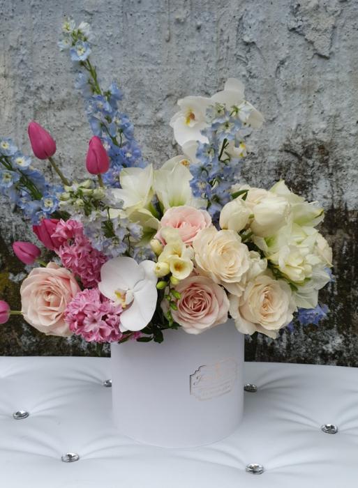Cutie flori pastel 1 8 Martie 0