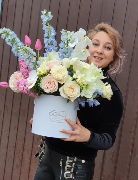 Cutie flori pastel 1 8 Martie 9