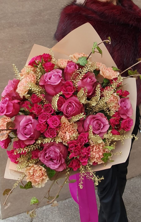 Buchet trandafiri roz1