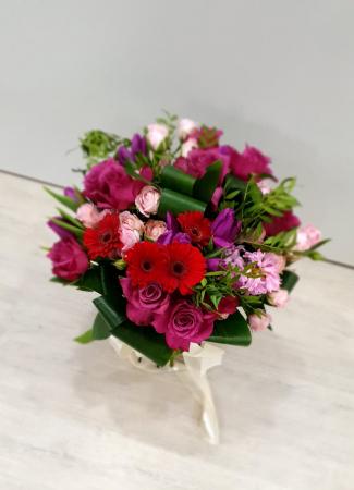 Buchet trandafiri roz magenta2