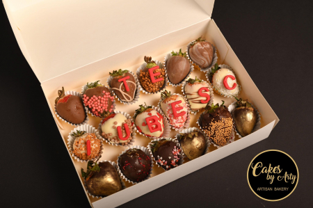 Cutie cu capsuni invelite in ciocolata belgiana- Cakes by Arty [0]
