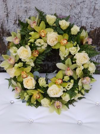 Coroana funerara rotunda alb-verde3