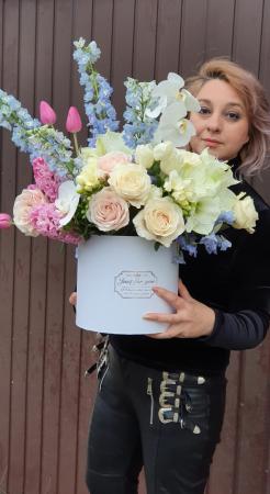 Cutie flori pastel 1 8 Martie1