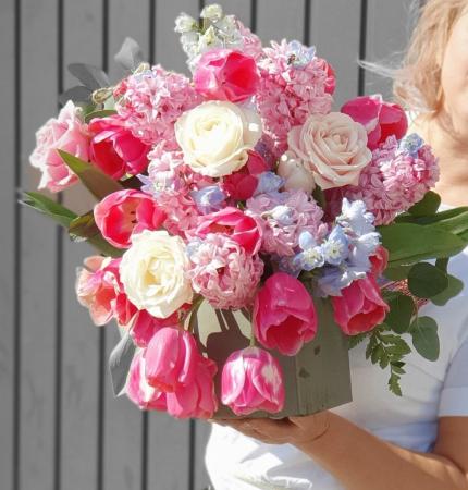 Cutie patrata cu flori de primavara [0]